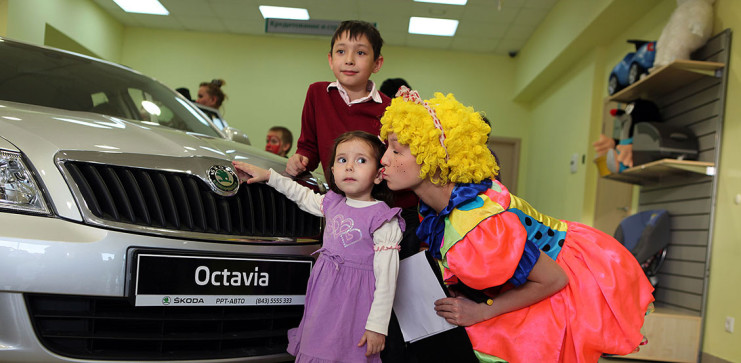 Новогоднее торжество в автосалонах РРТ-Авто